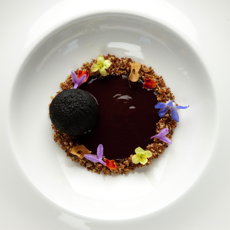 Eneko atxa restaurante azurmendi 3 michelin bizkaia for Ferran adria platos